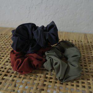 Everlane Scrunchies